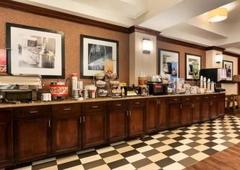 Hampton Inn & Suites Jackson Downtown-Coliseum - Jackson, MS