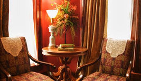 Whiskey Mansion Inn - Saint Joseph, MO