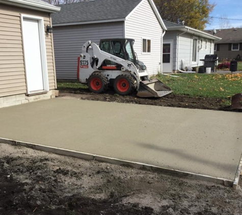 Weaver Construction - Manly, IA. Concrete / masonry work