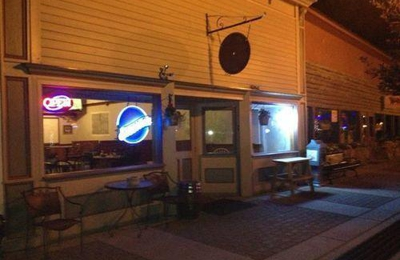 Grove's Black Dog Saloon - New Castle, CO