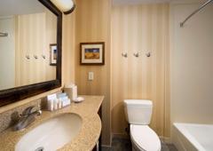 Hampton Inn & Suites San Antonio-Airport - San Antonio, TX