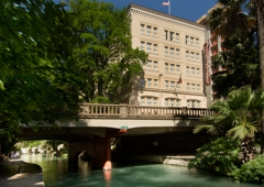 Drury Inn & Suites San Antonio Riverwalk - San Antonio, TX