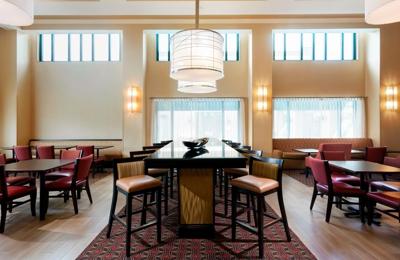 Hampton Inn & Suites Tampa/Ybor City/Downtown - Tampa, FL