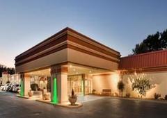 Best Western Plus Marietta Hotel - Marietta, OH