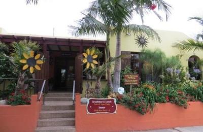 Cafe Nouveau - Ventura, CA