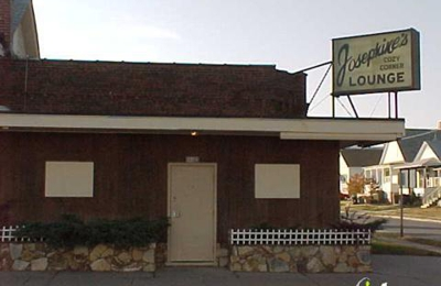Josephine's Cozy Corner Lounge - Omaha, NE