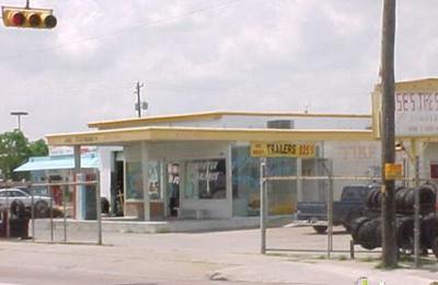 La Silla Motors - Houston, TX