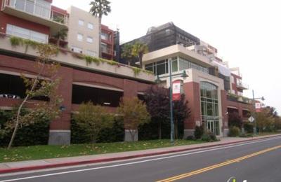 Avis Rent A Car - Emeryville, CA