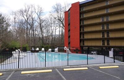 SureStay Plus Hotel by Best Western Gatlinburg - Gatlinburg, TN