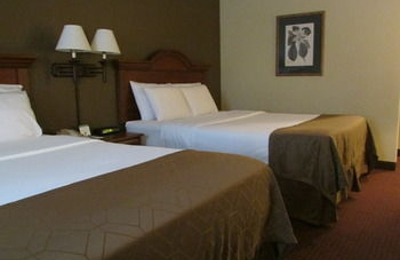 Dollinger's Inn & Suites - Brockport, NY