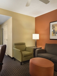Holiday Inn Express & Suites Evansville