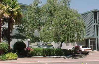 Courtside Gardens Apts   Sacramento, CA