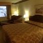 Colonial Inn & Suites - Memphis, TN