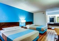 Motel 6 - Florissant, MO