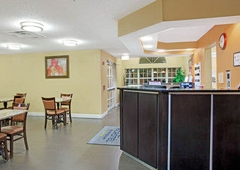 Microtel Inn & Suites by Wyndham Charlotte/University Place - Charlotte, NC