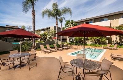 San Regis Apartments - Van Nuys, CA