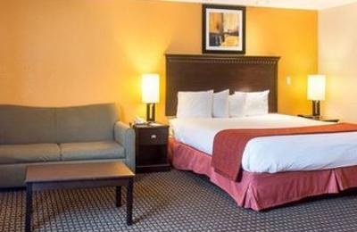Quality Inn & Suites Quantico - Stafford, VA