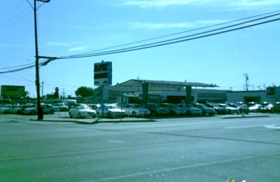 Deluxe Auto Dealer - Midway City, CA