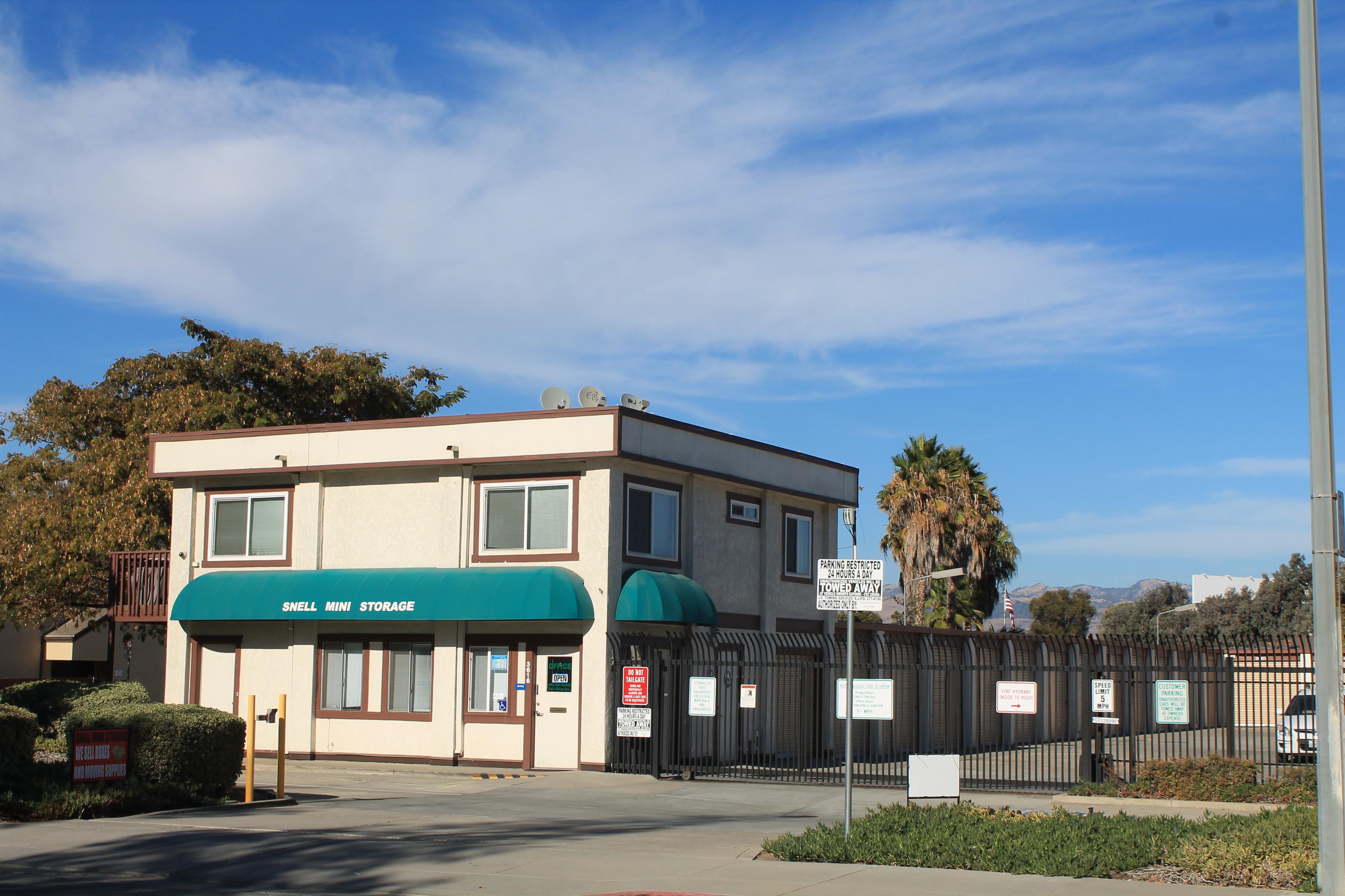 Round Table Capitol Expressway Snell Mini Storage San Jose Ca 95136 Ypcom
