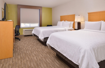 Holiday Inn Express Stockton Southeast - Stockton, CA