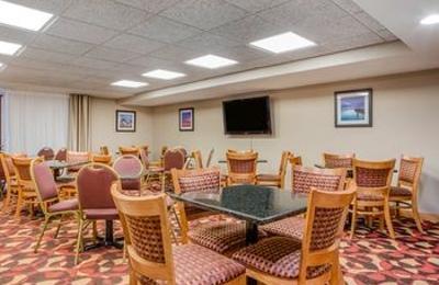 Comfort Inn & Suites Jackson - West Bend - Jackson, WI
