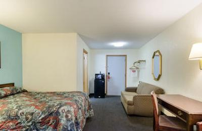 Econo Lodge - Sutton, MA