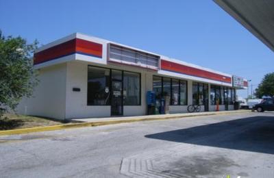 Digino's Italian Restaurant - Tavares, FL
