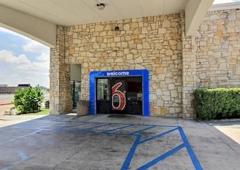 Motel 6 - Austin, TX