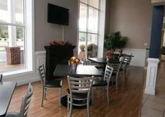 Quality Inn & Suites Williamsburg Central - Williamsburg, VA