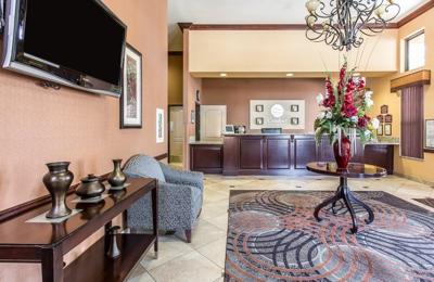 Comfort Inn & Suites - Colton, CA