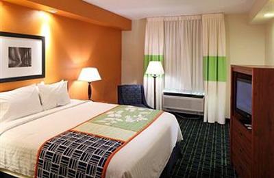 Fairfield Inn & Suites - San Carlos, CA