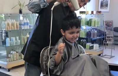 Ti Ja Professional Hair Stylists - Fairbanks, AK. Liked the hairdryer