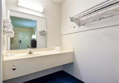 Motel 6 2920 W Chapman Ave, Orange, CA 92868 - YP com