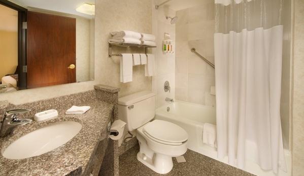 Drury Inn & Suites St. Joseph - Saint Joseph, MO