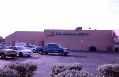 Famous Sams - Glendale, AZ