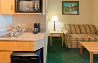 Holiday Inn Express & Suites Watertown-Thousand Islands - Watertown, NY