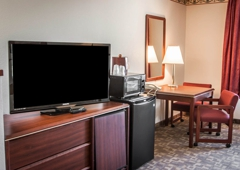 Quality Suites - Keizer, OR