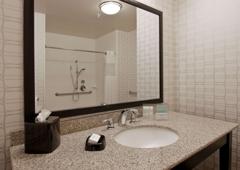 Hampton Inn & Suites Bellevue Downtown-Seattle - Bellevue, WA