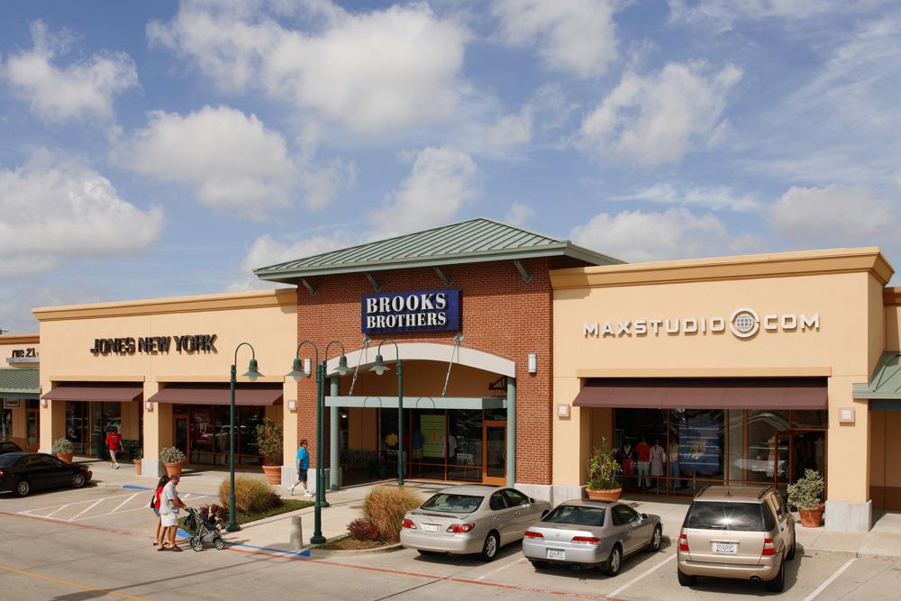 d55e45d4b47 Allen Premium Outlets 820 W Stacy Rd