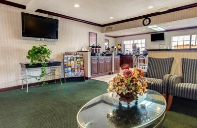 Econo Lodge Inn & Suites - El Paso, TX