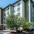 Comfort Inn & Suites near Six Flags