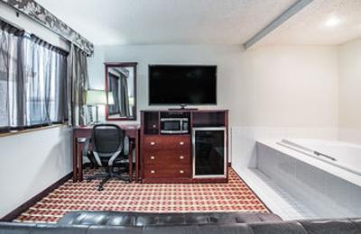 Super 8 Good Deal Hotels - Harlingen, TX