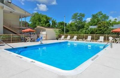 Americas Best Value Inn - Wilmington, NC