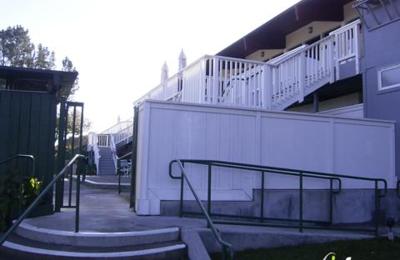 Rafael Racquet & Swim Club - San Rafael, CA