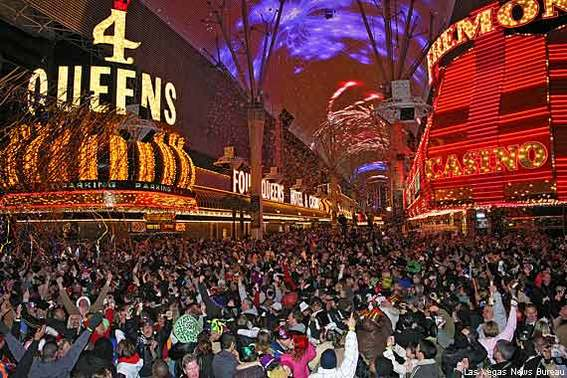 570-360-new-years-eve-fremont-experience