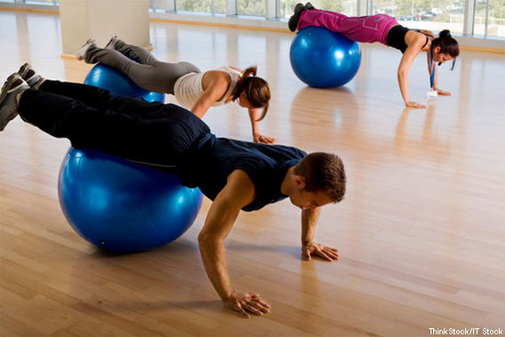 570-380-On-the-Ball-Core-Training_CR_ThinkStock-IT-Stock